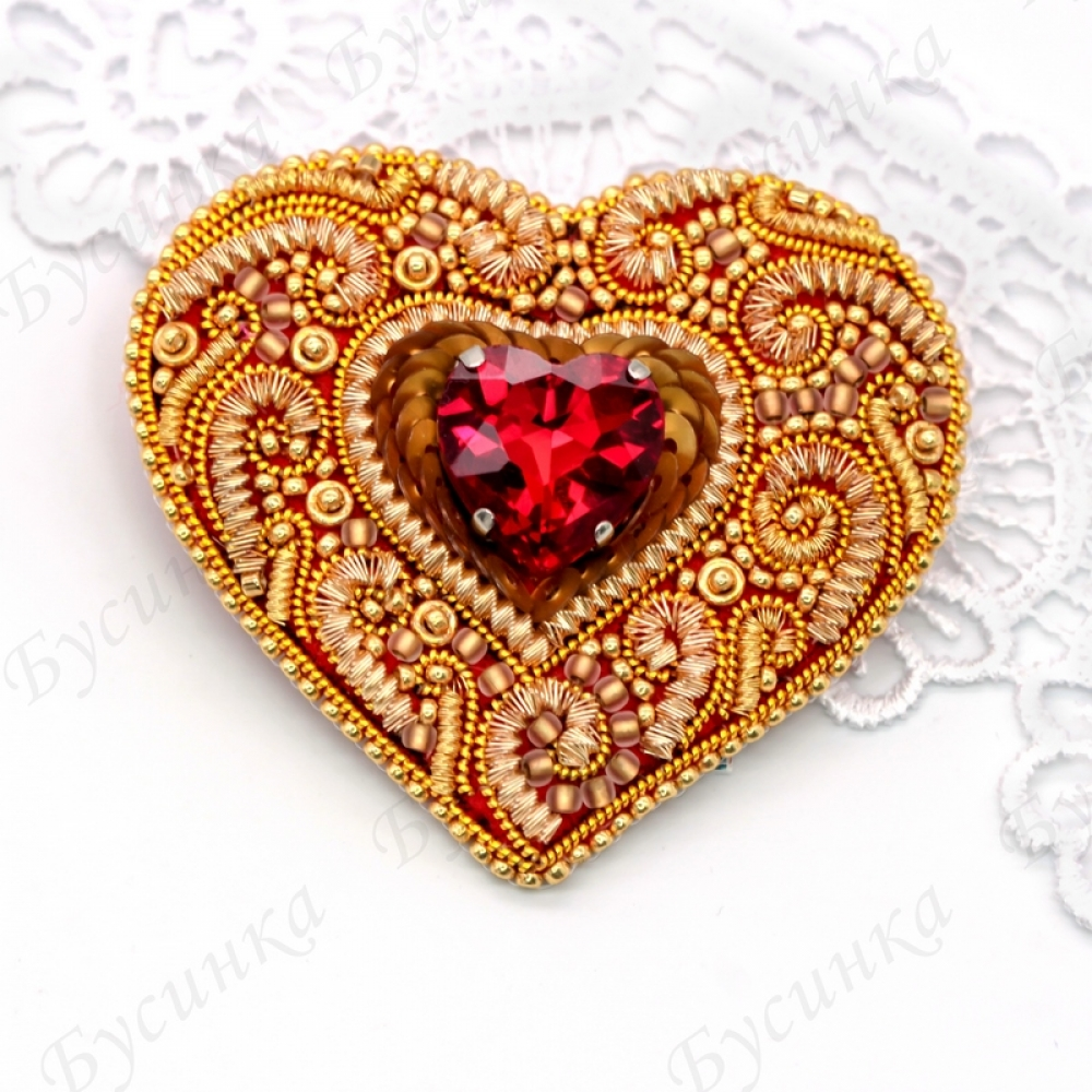 Брошь-сердце