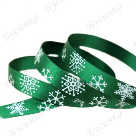 Лента атлас с орнаментом снежинки шир.10 мм. Зеленый
