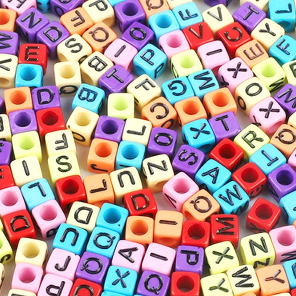 Бусины акрил алфавит разноцветн. Кубики 6х6х6мм Микс